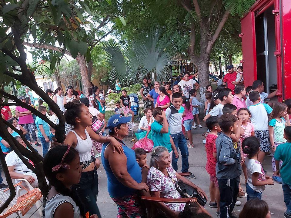 Navidad, entrega de regalos y mercados en Jerusalen, Cundinamarca